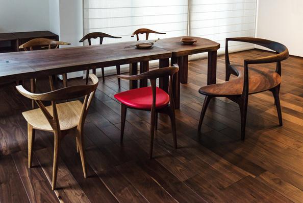 ウォールナット一枚板のオーダーテーブル