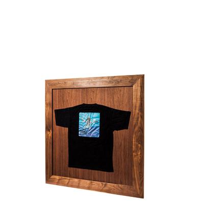 T-shirt frame